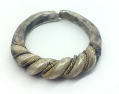 Early medieval scandinavian Viking silver twisted wirework ring - 22 mm 12,19 grams