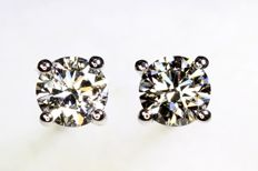 18 kt white gold ear studs with diamonds, 0.60 ct in total - Excellent Finish
