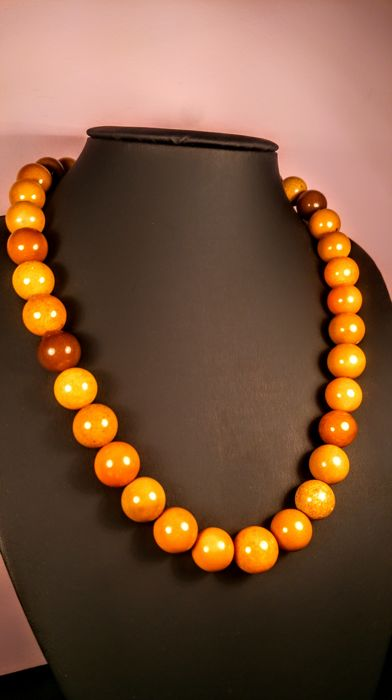vintage egg yolk colour modified round beads baltic amber necklace