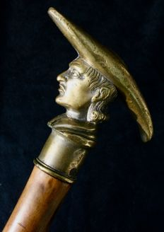 Cane with pommel in silver bronze - Bust of priest - early 20th century