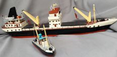 2 Wooden model boats: cargo ship 65 cm and a tug 17.5 cm