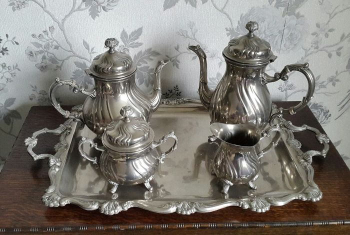 Very elegant, silver plated 4-piece tea set, branded Golden Crown Hong Kong