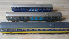 Fleischmann/Roco H0 - 5156/4232A/44287 - Three different passenger carriages Plan W of the NS