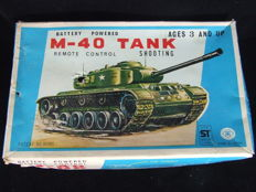 Masudaya, Japan - Length 24 cm - Tin Tank M-40 with battery engine and remote control, 1960s/70s