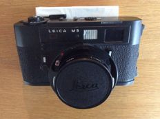 Leica M5 black with lens