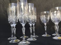 12 elegant cut crystal glasses _ and 6 wine glasses and 6 champagne flute glass __ Cristal de LORRAINE Grand Dukes __ Around 1990 France
