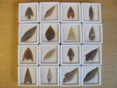 Neolithic arrowheads - 20/43 mm (14)