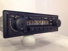 Philips 883 classic car radio from the 1970s Opel, Ford, Mercedes, Volkswagen.