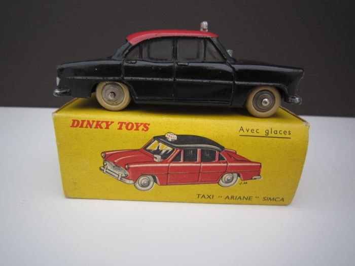 Dinky Toys-France - Scale 1/43 - Simca Ariane Taxi No.24zt