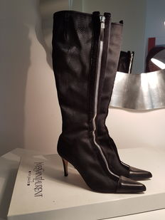 Yves Saint Laurent - Boots