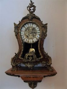Boulle clock op console - Intarsia inlay - France - 1900 period