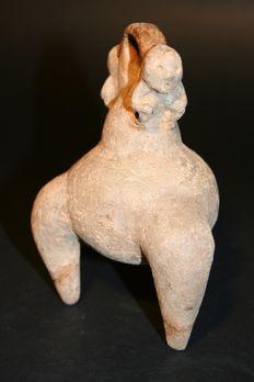 Original ceramic pre-Columbian archaeological find AltoMagdalena. Three feet Poporo topped by two small monkeys at the two necks. Height 160 mm.
