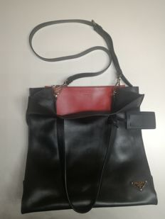 Prada - Lambskin shoulder bag - 2015 collection, in excellent condition