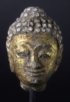 Stucco Buddha head - Thailand - 17th century (Ayutthaya period)