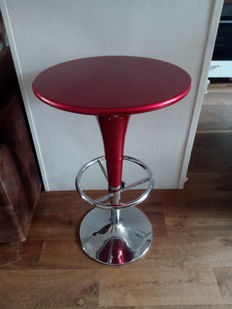 American 1950s style table