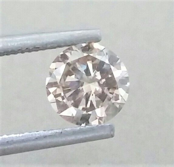 1.02 ct   - Natural  Fancy Champagne  - VS1 clarity  - Round Brilliant Cut - Comes With AIG Certificate + Laser Inscription On Girdle