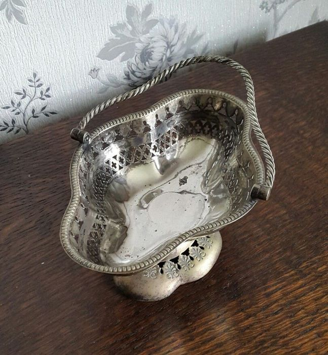 Nice Silver Plated Victorian basket with openwork decoration, year 1871