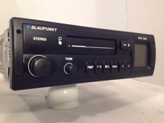 Classic Blaupunkt ACR 3231 classic car radio from the 1980s/1990s Volkswagen/Ford/Opel