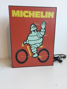 Lichtreclame Michelin - Motorbendes- begin 21e eeuw