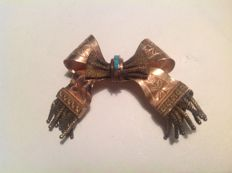 Brooch/pin (Love ribbon), Italy, 1800, with 4 small turquoise stones