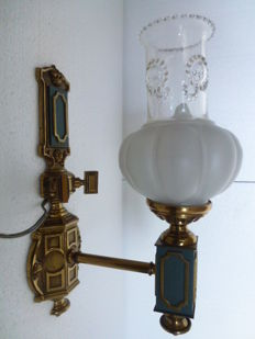 Oil lamp style wall lamp - brass/copper