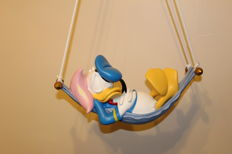 Disney, Walt - Figure - Donald Duck in hammock