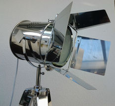 Attractive chromed theatre spotlight on extendable tripod - Gimbal suspension and adjustable In height.