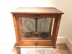 Beautiful antique pharmacist's scale in glass cabinet, F.E. Becker & Co., early 20th century