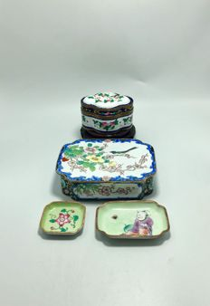Two Canton enamel boxes and covers - China - mid 20th century