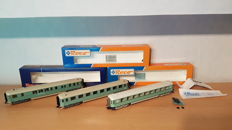 Roco H0 - 44283/44290/45760 - 2 passenger carriages and a restaurant car of the NS