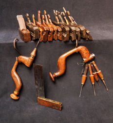 Twenty pieces Dutch woodworking tools from before 1900.