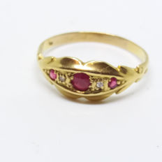 A Vintage Genuine 18K Yellow Solid Gold with Natural Ruby and Old Cut Diamond Ring