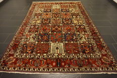 Beautiful antique fields BAKHTIAR handwoven Persian carpet, Bakhtiari, plant-based colours, made in Iran, 210 x 300 cm