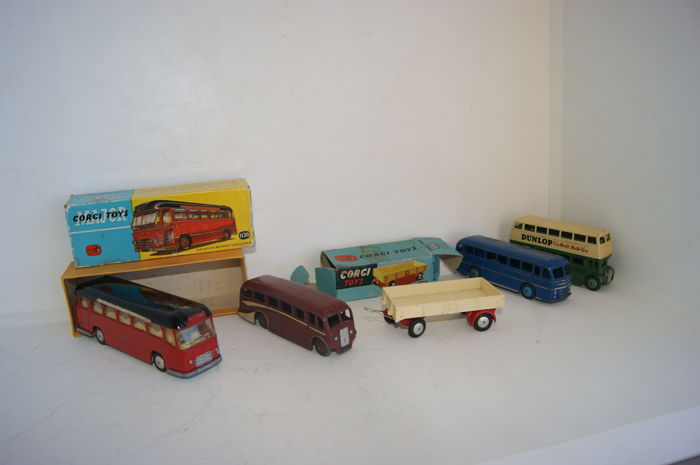 Dinky Toys/Corgi Major Toys - Schaal 1/48-1/66 - Midland Red Motorway Express Coach nr.1120 - Dropside Trailer no.100 - Double Deck Bus No.29C - Luxury Coach No.29G - Duple Roadmaster 29H