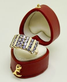 "Quality gold ring set with ""2ct of gem tested natural Tanzanite""   °°°NO reserve°°°"