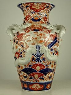 Large Imari dragon vase - Japan - 19th century (Meiji period) (1868-1912)