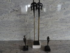 3 Beautiful, burnished sculptures on marble pedestals, Corry Ammerlaan