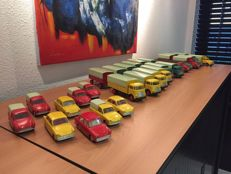 Lion Car/Toys - Scale 1/50 - Lot with 12 DAF 1100 and Torpedo Trucks and Trailers and 9 DAF-750 Variomatic models