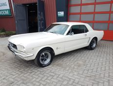 Ford - Mustang Hardtop Coupe - 1964 1/2