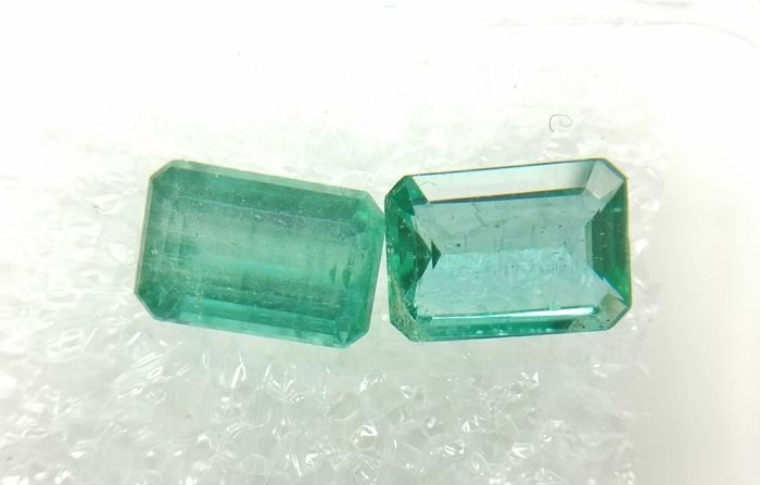 Couple of 2 Emerald Vivid Green 1.73 ct Extra fine color quality  -No Reserve