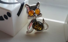 "Brooche ""Kitty"" colours green & honey - natural Baltic amber - silver 925 - no pressed - UV test"