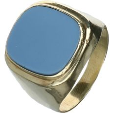 14 kt Yellow gold signet ring set with layered stone. - Ring size: 19.5 mm