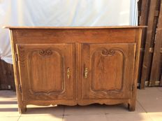 Provencal sideboard in walnut - Louis Quinze style - France - 1740/1790
