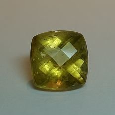Crysoberyl - brownish-yellow,  6.25 ct  - No reserve price