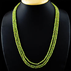 Peridot necklace with 18 kt (750/1000) gold, length 50cm