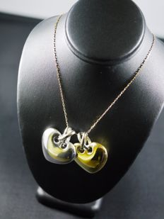 Necklace with two hearts yellow/white 18 kt gold 750/1000 - 11.9 g