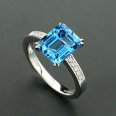 Blue topaz brilliant ring 4.34 ct in total, made of 750 white gold ---no reserve price---