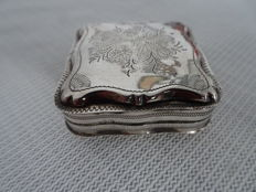 A silver tin of peppermints, the Netherlands, 1870 with fine engraving