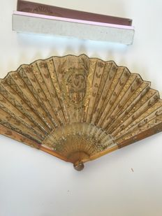 Fan, Faucon Paris - of a young lady, end XIXth, France