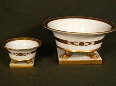 Herend - Two delicate claw foot vases
